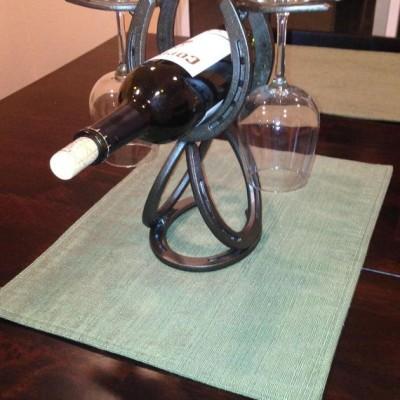 wine horshoe